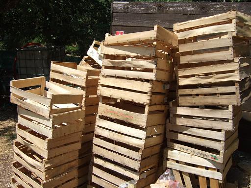 Photo donne nombreuses cagettes en bois en bon tat pou - Recyclage des cagettes en bois ...