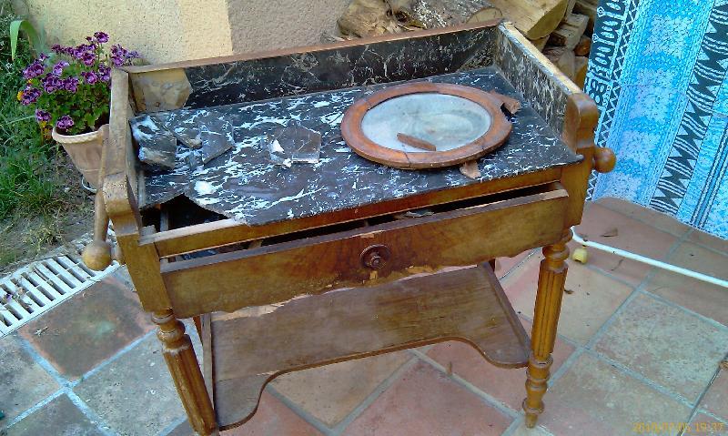 photo bonjour donne coiffeuse ancienne bois marbre mau. Black Bedroom Furniture Sets. Home Design Ideas