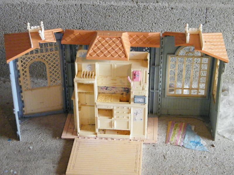 maison barbie donner st marcel d 39 ard che. Black Bedroom Furniture Sets. Home Design Ideas