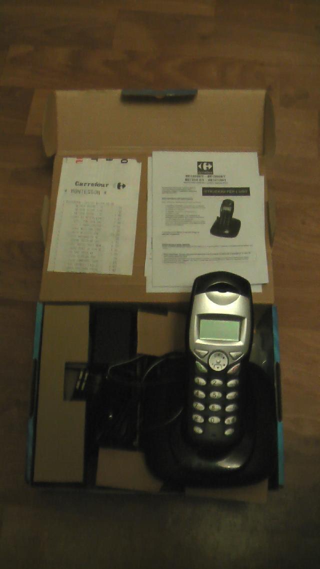 photo donne t l phone fixe sans fil marque carrefour. Black Bedroom Furniture Sets. Home Design Ideas