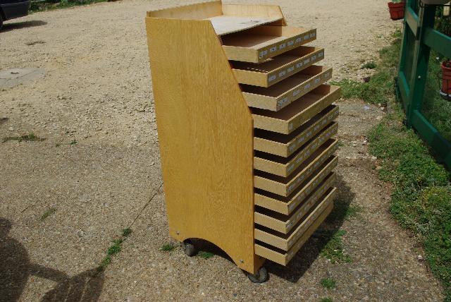 meuble pr sentoir tiroirs donner jaunay clan. Black Bedroom Furniture Sets. Home Design Ideas