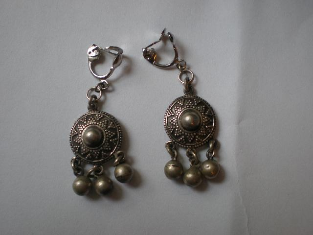 Boucles d'oreilles orientales. Se fixent par clip,