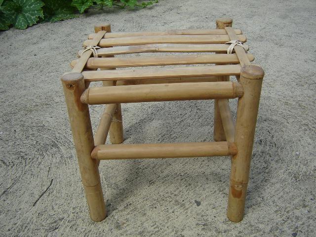 photo petit tabouret en bambou urgent. Black Bedroom Furniture Sets. Home Design Ideas