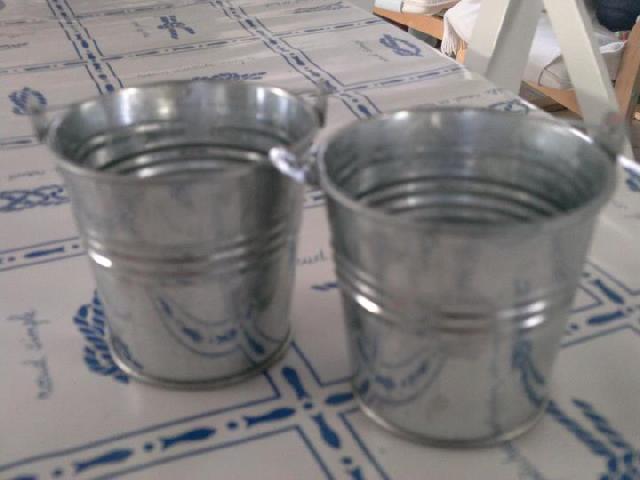 photo petits pots en zinc