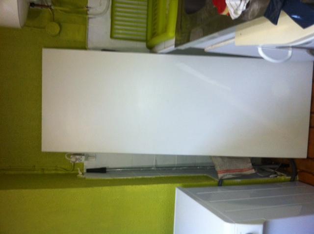 Photo planche de bois blanc je m 39 en servais comme plan for Planche en bois blanc