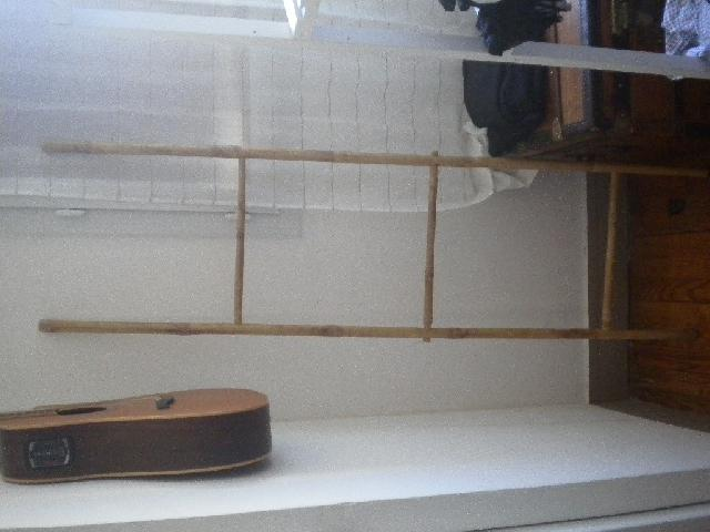 Echelle porte serviette en bambou bois colombes - Echelle bois porte serviette ...