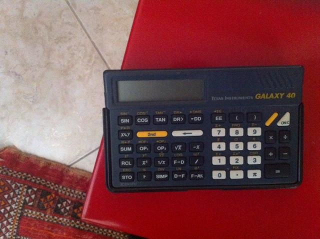 Donne calculatrice Galaxy 40 Texas Instruments. -B