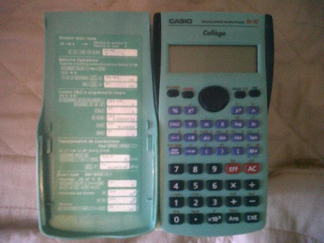 Je donne une calculatrice Casio, piles � changer.