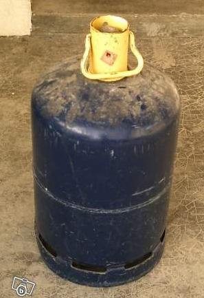 photo bouteille de gaz vide butane de totalgaz en 13 kg. Black Bedroom Furniture Sets. Home Design Ideas