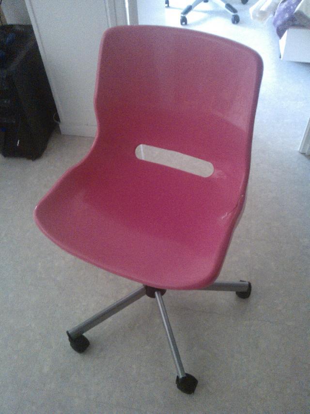 chaise donner nantes. Black Bedroom Furniture Sets. Home Design Ideas