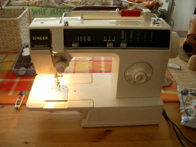 Canette machine coudre - Comment mettre une canette dans une machine a coudre singer ...