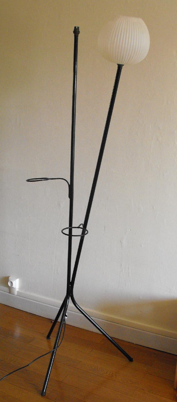 photo lampadaire tripode ann es 60 vintage electrificat. Black Bedroom Furniture Sets. Home Design Ideas