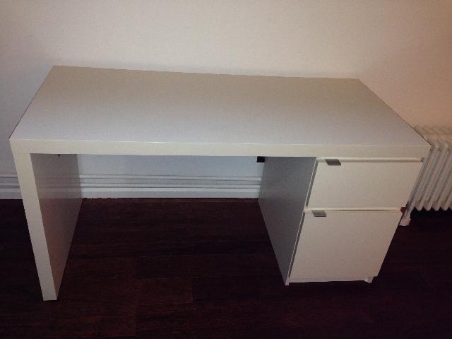ikea bureau blanc latest stuva table blanc blanc with ikea bureau blanc gallery of console. Black Bedroom Furniture Sets. Home Design Ideas