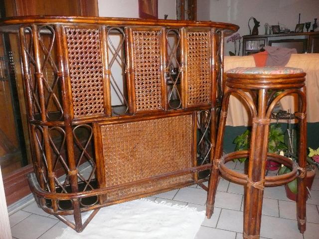 bar en rotin et tabouret donner maubeuge. Black Bedroom Furniture Sets. Home Design Ideas