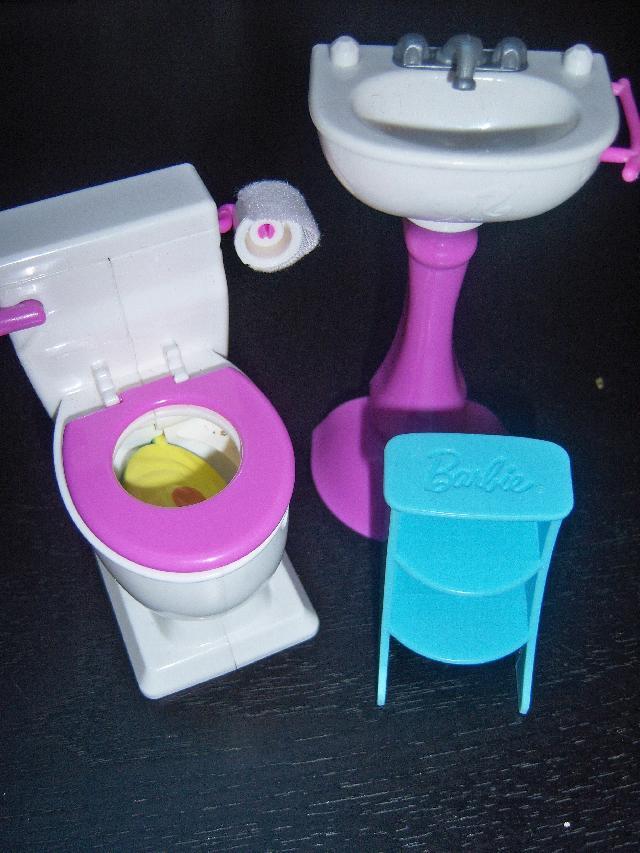 salle de bain barbie donner la limouziniere. Black Bedroom Furniture Sets. Home Design Ideas