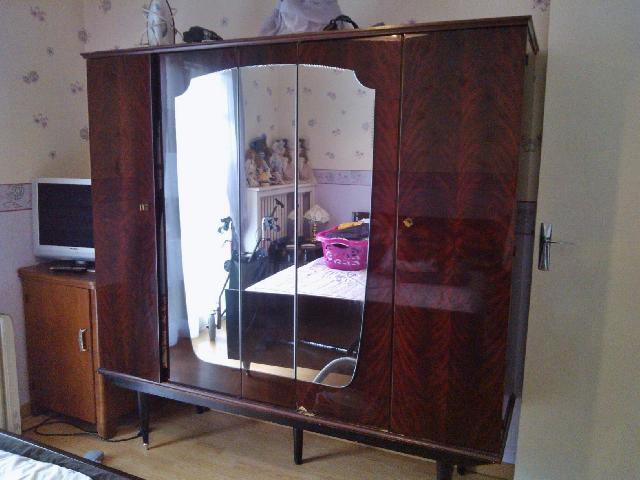 Photo lit armoire for Acheter une chambre a coucher complete
