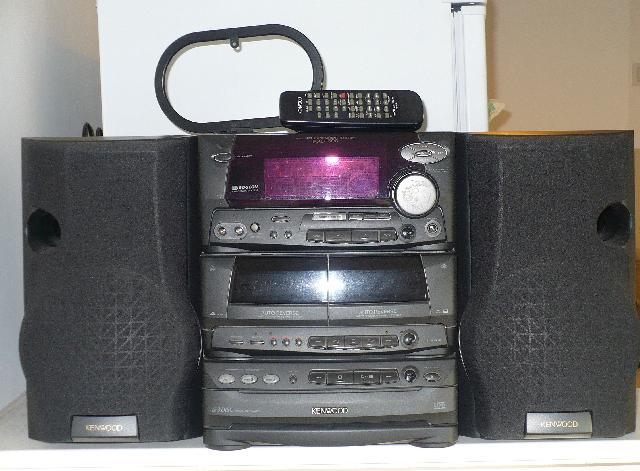 Specs besides Krc 957 in addition Schemi likewise Kenwood 1996 Cata 2 also There Are Hf Based World 7 Kenwood Ts. on kenwood radio