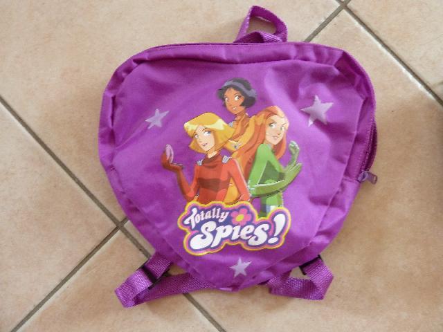 bas prix b1412 66b3b Photo Petit sac à dos