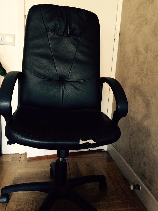chaise de bureau coincée