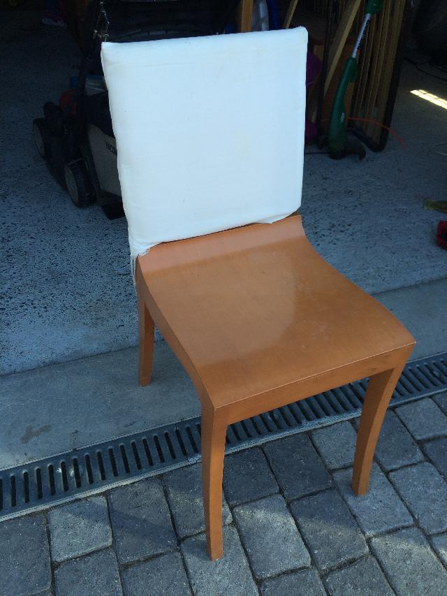 chaises donner chens sur l man. Black Bedroom Furniture Sets. Home Design Ideas