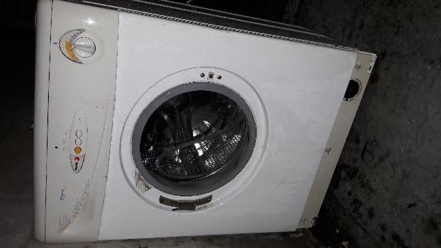 Photo lave linge - Duree de vie machine a laver ...