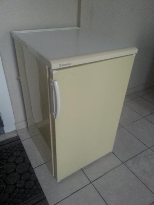 photo frigo. Black Bedroom Furniture Sets. Home Design Ideas
