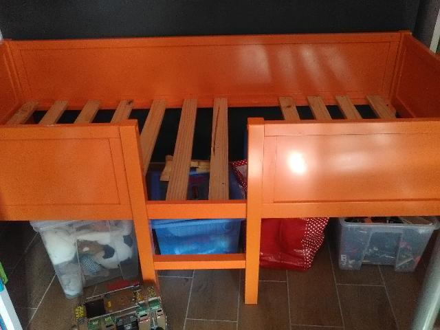 photo lit. Black Bedroom Furniture Sets. Home Design Ideas