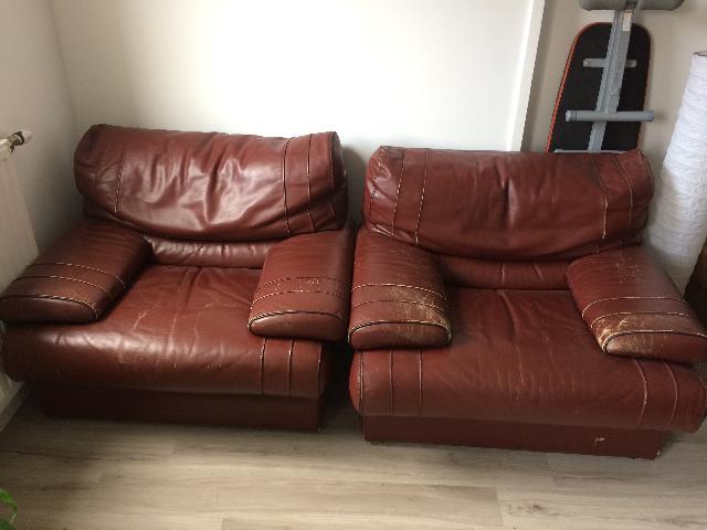 photo fauteuils cuir rouge. Black Bedroom Furniture Sets. Home Design Ideas