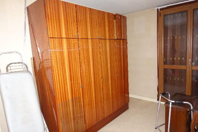 armoire donner franconville. Black Bedroom Furniture Sets. Home Design Ideas