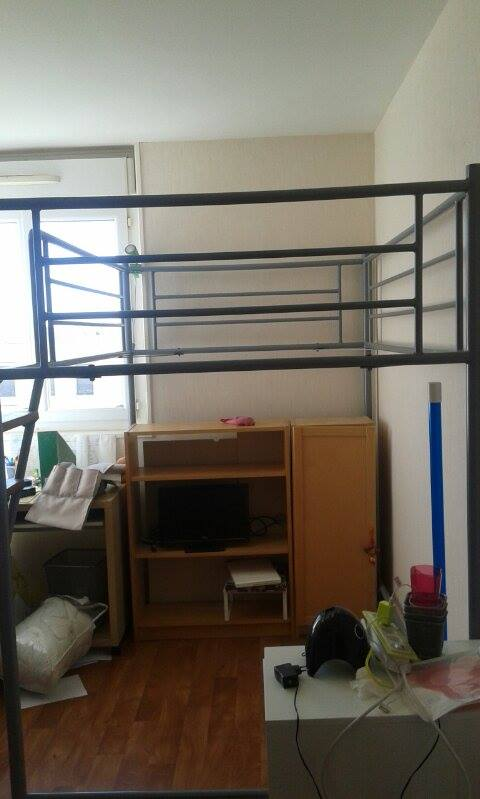 photo lit mezzanine. Black Bedroom Furniture Sets. Home Design Ideas