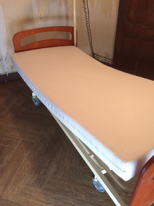 photo lit matelas. Black Bedroom Furniture Sets. Home Design Ideas
