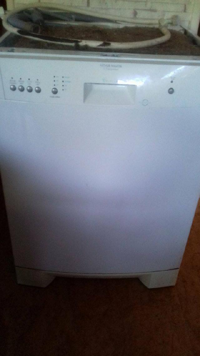 Photo lave vaisselle for Arrivee d eau lave vaisselle