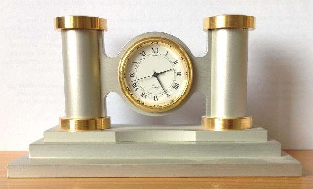 photo horloge chemin e. Black Bedroom Furniture Sets. Home Design Ideas