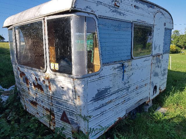 Caravane A Donner A Hengoat